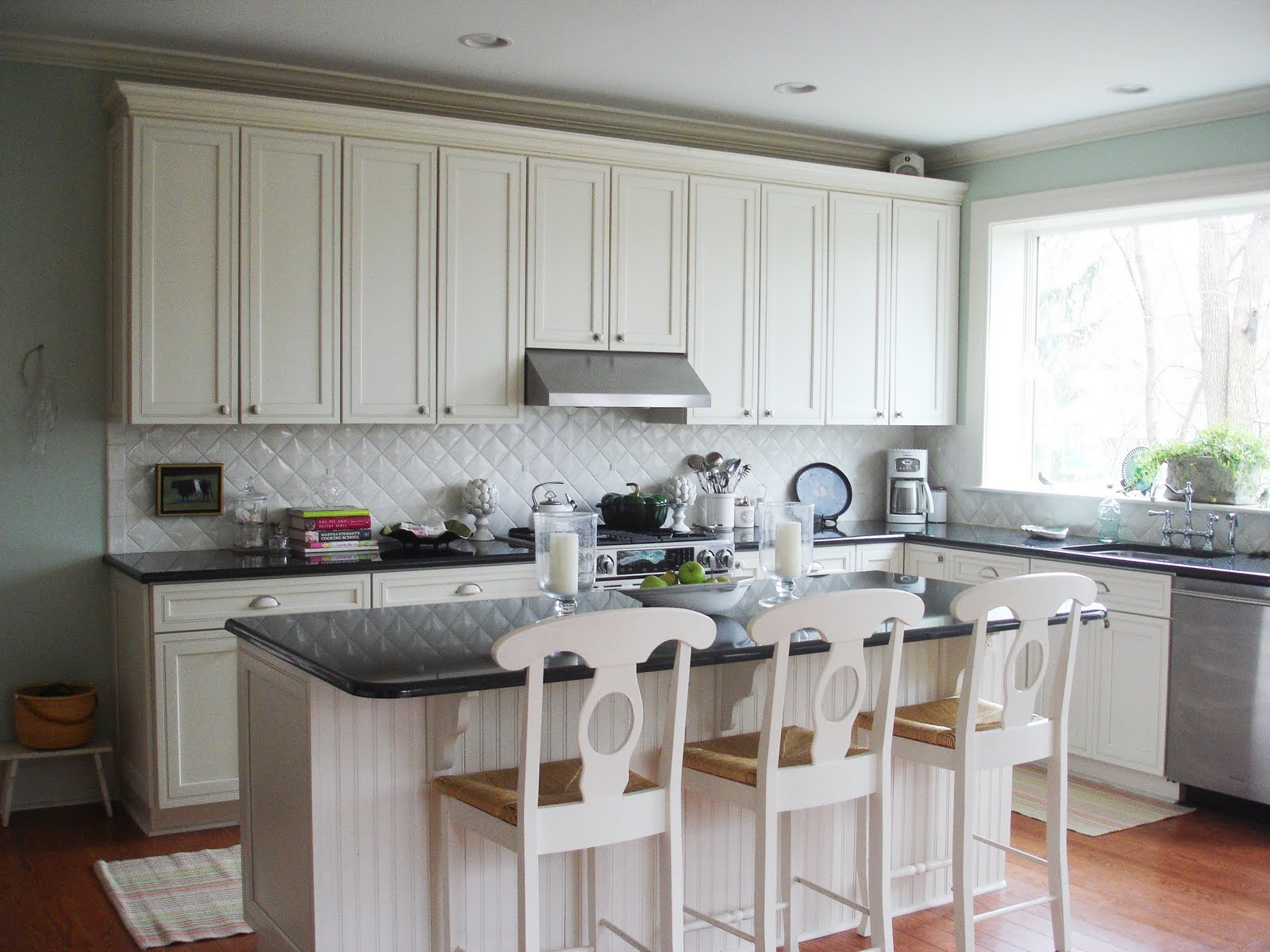 white kitchen with blue backsplash a big thank you to cococozy nance interiors 1832
